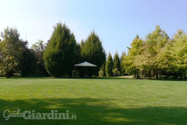 Come preparare il giardino per l'arrivo dell'estate - GuidaGiardini.it