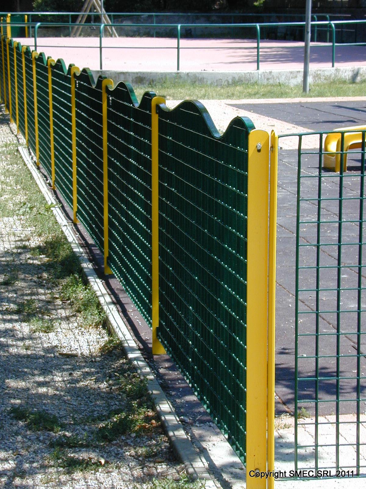 Recinzione Giardino In Ferro a ogni giardino la sua recinzione - guidagiardini.it