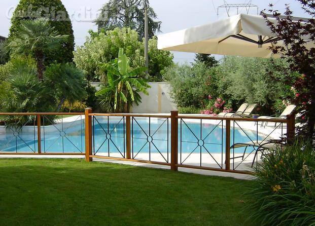 Arredo urbano service srl - Recinzione piscina legno ...