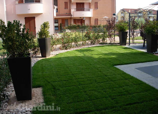 pavimentazione giardino outdoor : Giardino Moderno Roma: Giardino / outdoor primavera 2014 moderno ...