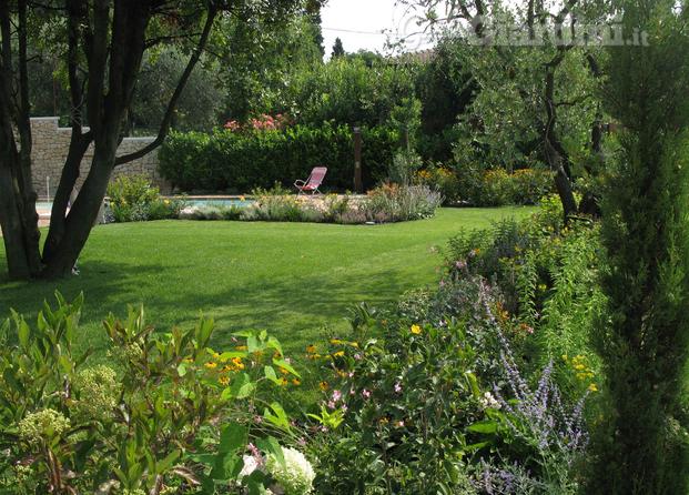 Ispirazioni giardino provenzale tutte le immagini per la for Arredatori di giardini